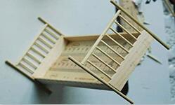牙签竹签制作娃娃屋里的小床。长度根据自己的娃定