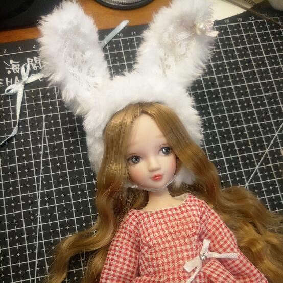 毛绒兔耳帽子