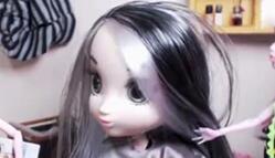如何给心爱的娃娃染发,五彩斑斓的头发。