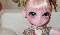 迪士尼沙龙娃娃改妆~好美哦~~真的很漂亮