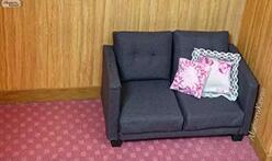 迷你家具制作,给芭比娃娃做张简单的布艺沙发,很精致!