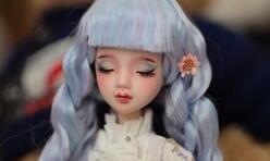 用彩铅给可儿娃娃改妆,化妆教程,大眼睛好有神。