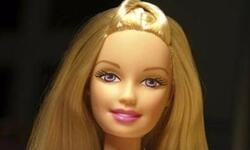 怎样给芭比娃娃梳头发,可儿娃娃头发日常护理。