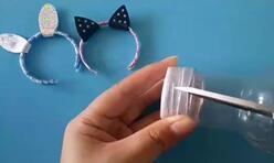 教你手工DIY芭比娃娃迷你兔耳朵发箍,简单又漂亮。