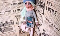 娃娘给怪高娃娃做一件长款卫衣,秋天必备哦。
