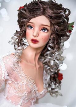 BJD娃娃华丽的头发造型