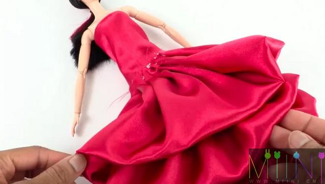 芭比娃娃晚礼服