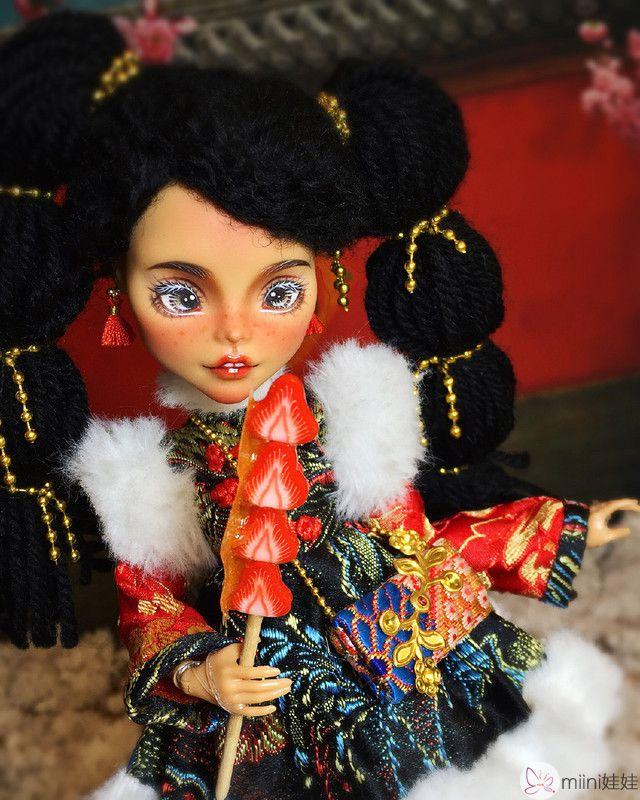 怪高娃娃拜新年