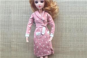 (6分娃衣教程)给芭比娃娃制作睡袍范儿大衣教程,步骤详细