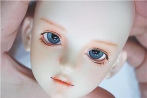 bjd娃娃化妆教程,很干净的妆面,看起来很清爽,娃娘最爱
