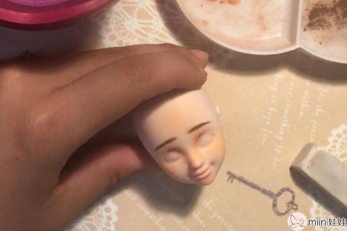 可儿娃娃化妆