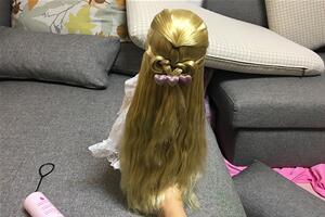 沙龙娃娃编发教程,披肩长发打理编发,简单易学一看就会