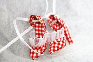 [原创]bjd娃娃,芭比娃娃,红格子高跟娃鞋制作过程