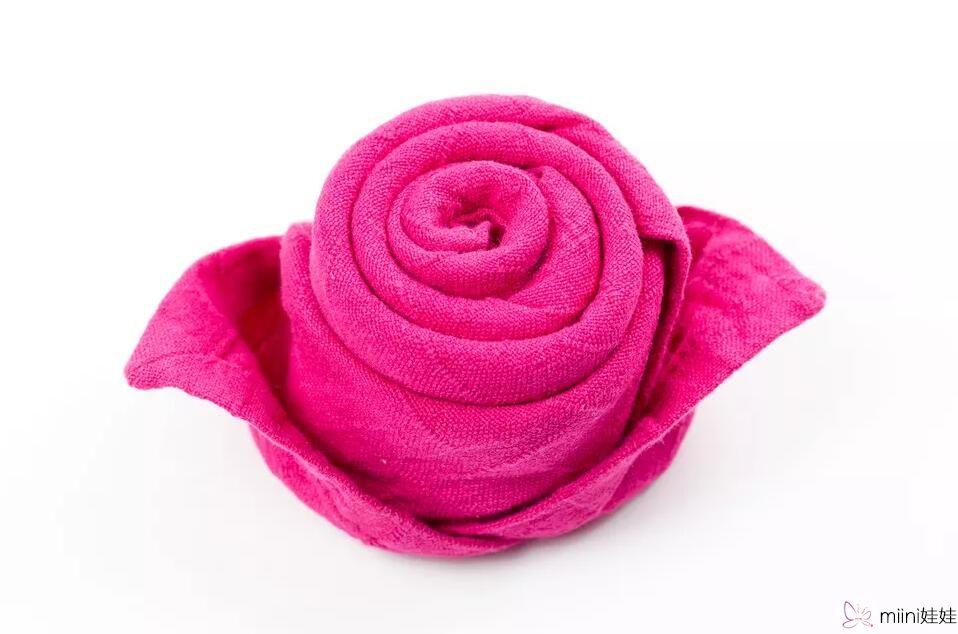 餐巾玫瑰花折法,怎么用餐巾折玫瑰花?学一下吧