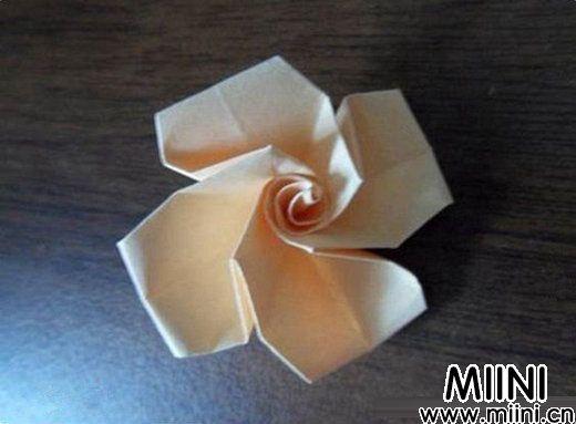 简单玫瑰花的折法9