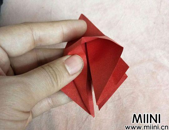 百合花折纸 第6步
