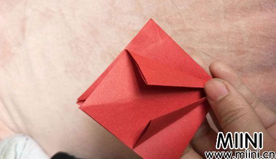 百合花折纸 第3步