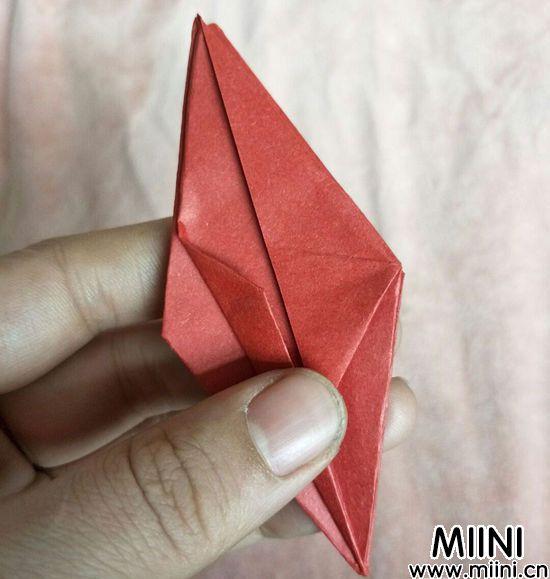 百合花折纸 第9步