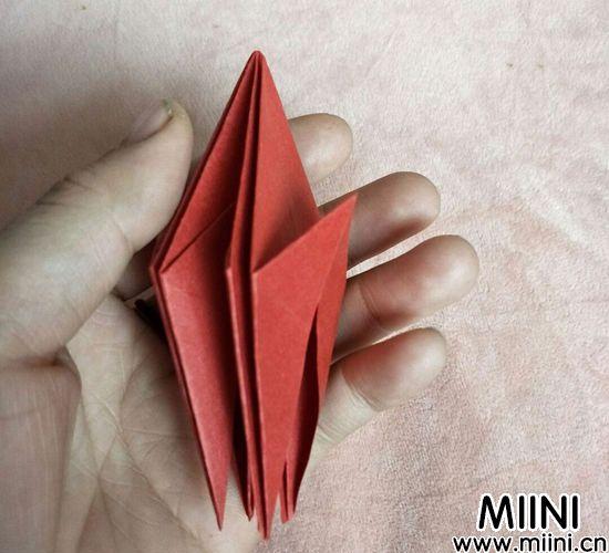 百合花折纸 第8步
