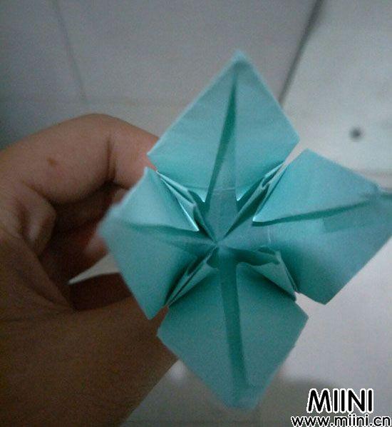 百合花折纸 第13步