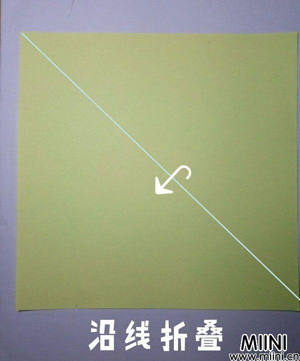 折纸鹿的折法图解教程,好看的鹿只需几步 第1步
