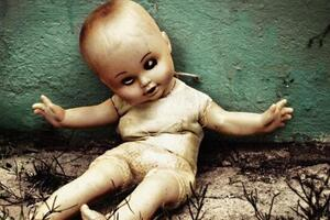 你觉得很诡异的玩偶娃娃,哪一个最恐怖