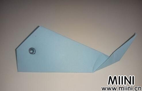 儿童折纸,折一个简单的大鲸鱼步骤教程