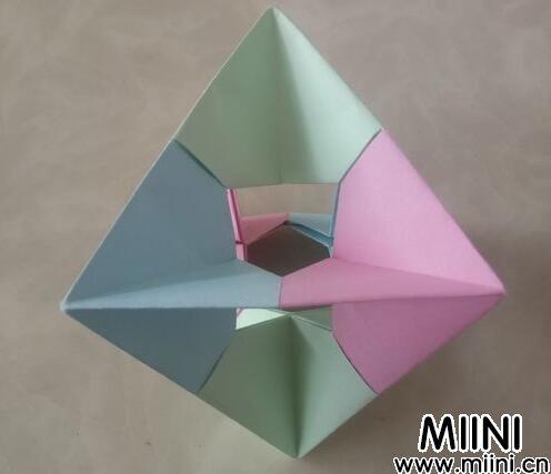 陀螺<a href=http://www.miini.cn/search-0-497.html target=_blank class=infotextkey>折纸</a>01.jpg