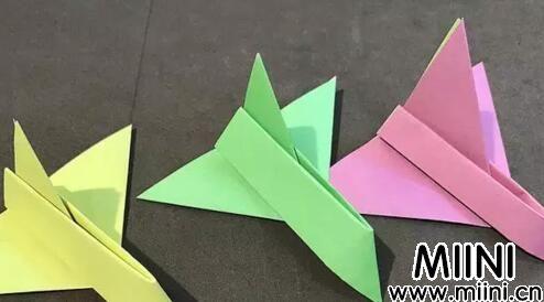 儿童手工折纸飞机图解教程