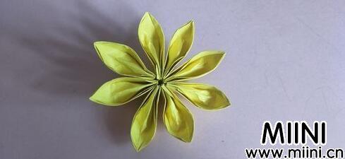 八瓣花折纸10.jpg