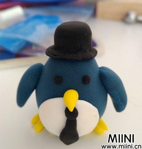 用超轻粘土制作可爱的企鹅小绅士