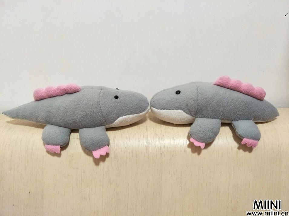 手工布艺可爱的短尾巴鳄鱼制作教程