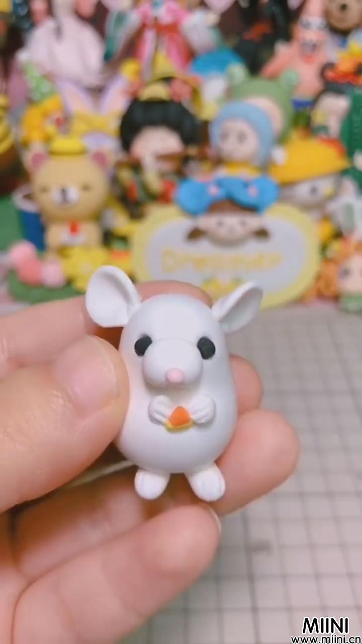 可爱白色小老鼠粘土教程