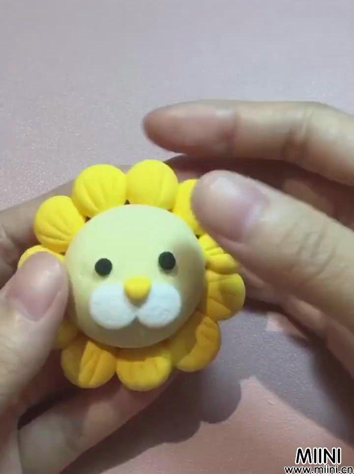 粘土可爱小狮子玩偶制作图解