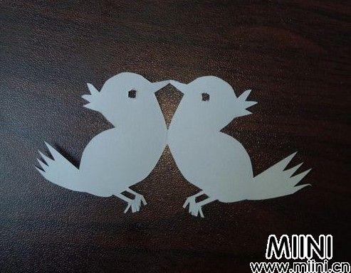 两只小鸟剪纸01