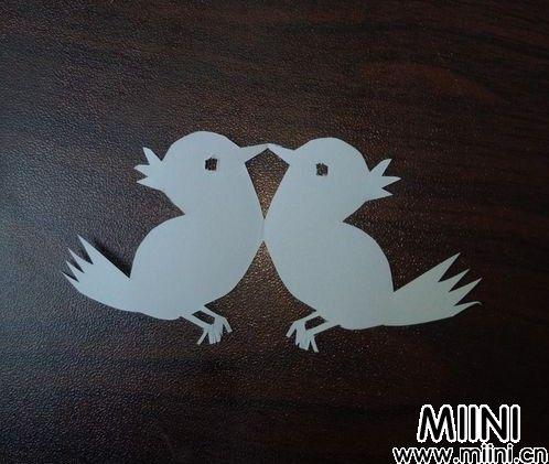 两只小鸟剪纸10