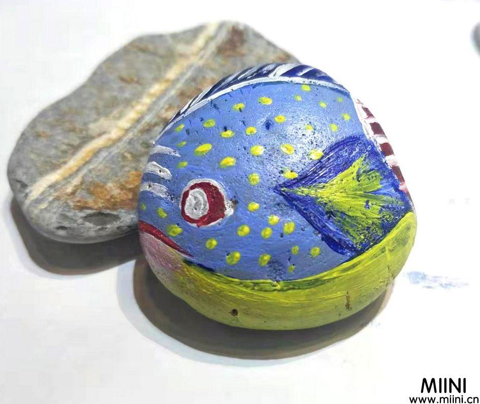 手绘卵石画,可爱热带鱼制作步骤