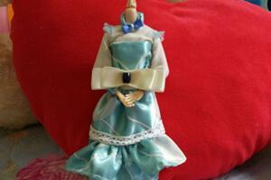 芭比娃娃礼服娃衣diy制作步骤图解