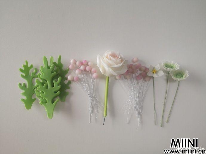 粘土花朵装饰画框的制作步骤