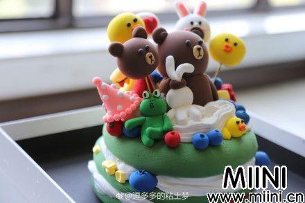 布朗熊主题粘土生日礼物蛋糕的做法