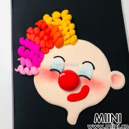超可爱的粘土小丑画做法