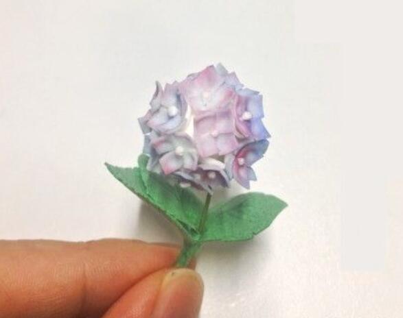 用超轻粘土做出来的绣球花制作步骤