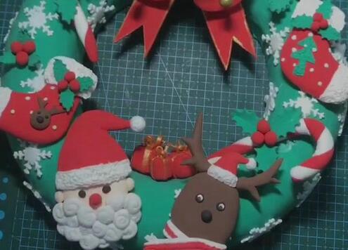 粘土圣诞花环装饰的制作步骤