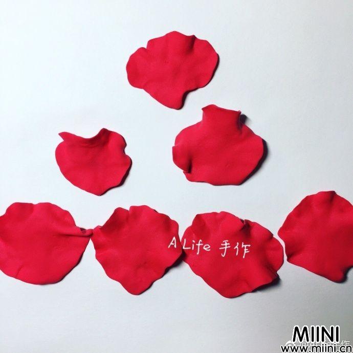 教你来捏大红色的粘土玫瑰花