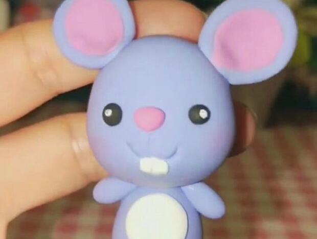 可爱的蓝色小老鼠粘土制作步骤