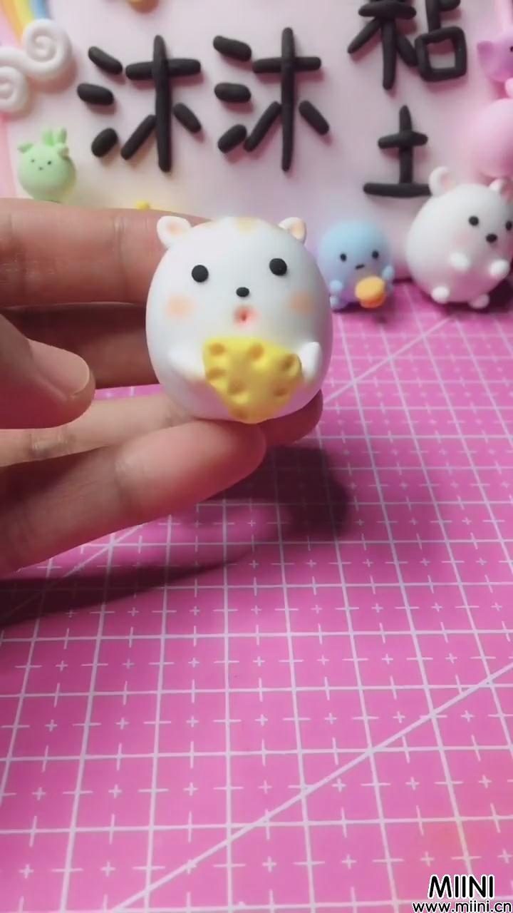 偷吃奶酪的粘土小老鼠玩偶