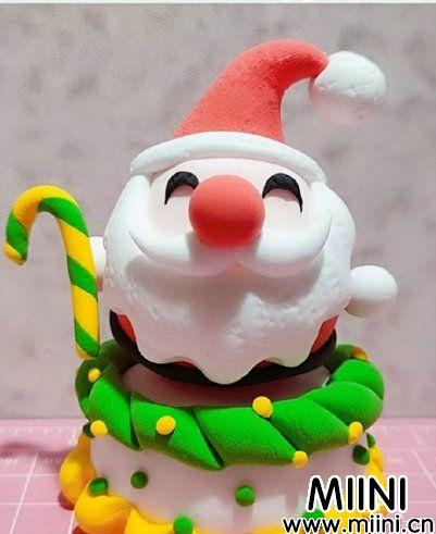 蛋糕上的圣诞老人粘土教程
