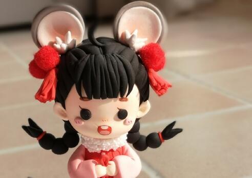 鼠年装扮可爱女娃娃粘土人偶的教程