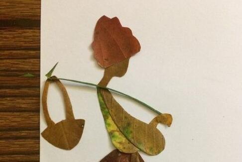 树叶制作的女子书签贴画步骤