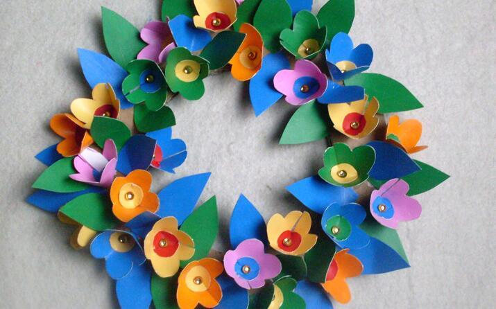 彩色卡纸做节日花环图解教程